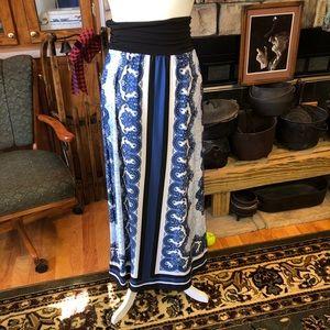 I.N. Studio maxi skirt beautiful pattern size med